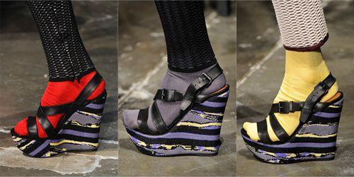 Sandália com meia: proposta da Ghetz
